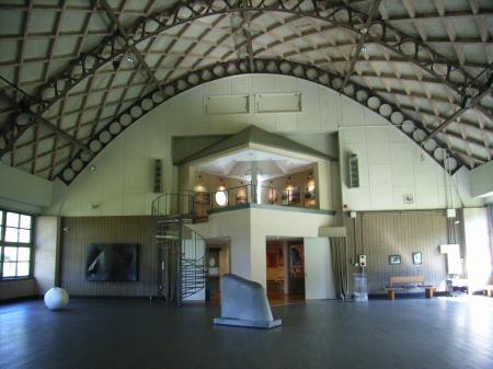 アルテピアッツァ美唄 旧体育館内部